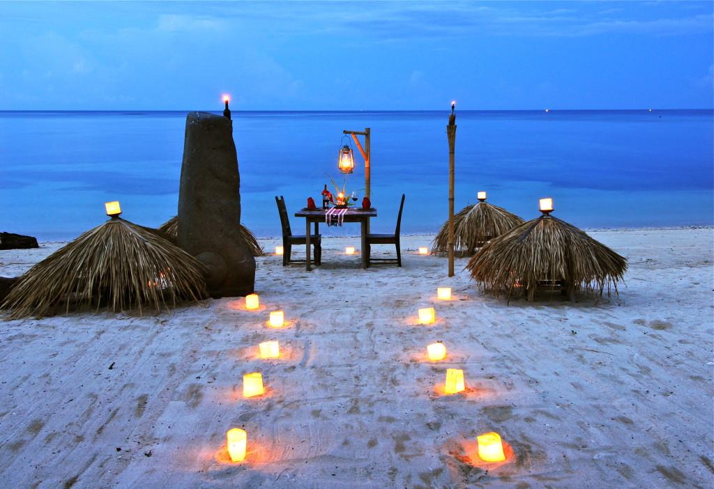 Beach - Dining (1)